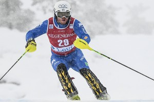 epa06324052 Giuliano Razzoli of Italy in action during the first run of theMmen's slalom race of the FIS Alpine Skiing World Cup, in Levi, Finland, 12 November 2017.  EPA/KIMMO BRANDT (ANSA)