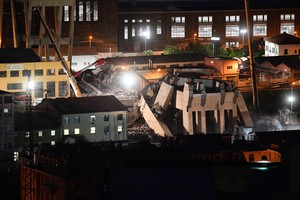 BRIDGE COLLAPSED ON GENOA HIGWAY - NIGHT VIEW OF MORANDI BRIDGE COLLAPSED IN GENOA.15 AGOSTO 2018. ANSA/LUCA ZENNARO (ANSA)