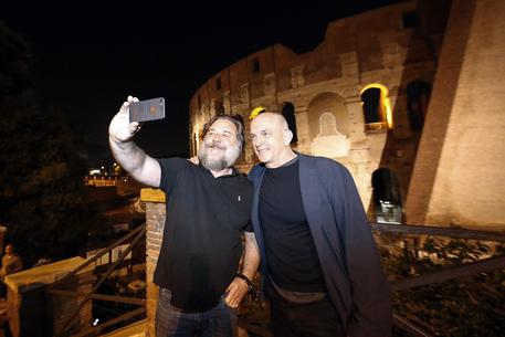Russell Crowe visits the Colosseum prior his show Gladiator © ANSA