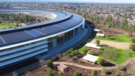 L'Apple Park, 100% energia rinnovabile. Fonte Youtube(ANSA)
